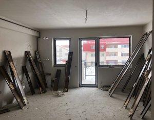 Vanzare apartament 3 camere, 2 bai, garaj, situat in Floresti, zona Sub Cetate