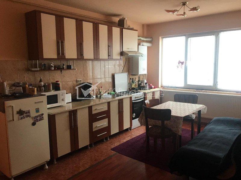 Apartament de inchiriat, 3 camere, 60 mp, mobilat, utilat, Calea Turzii, parcare