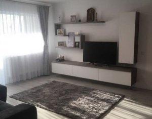 Vanzare apartament ultrafinisat,  3 camere, Floresti, zona brutariei