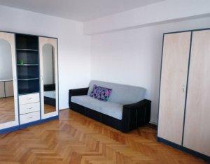 Chirie apartament de 3 camere, 80 mp, Gheorgheni, aproape de centrul orasului