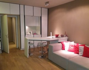 Apartament de inchiriat, 2 camere, lux, 70 mp, curte, Ultracentral