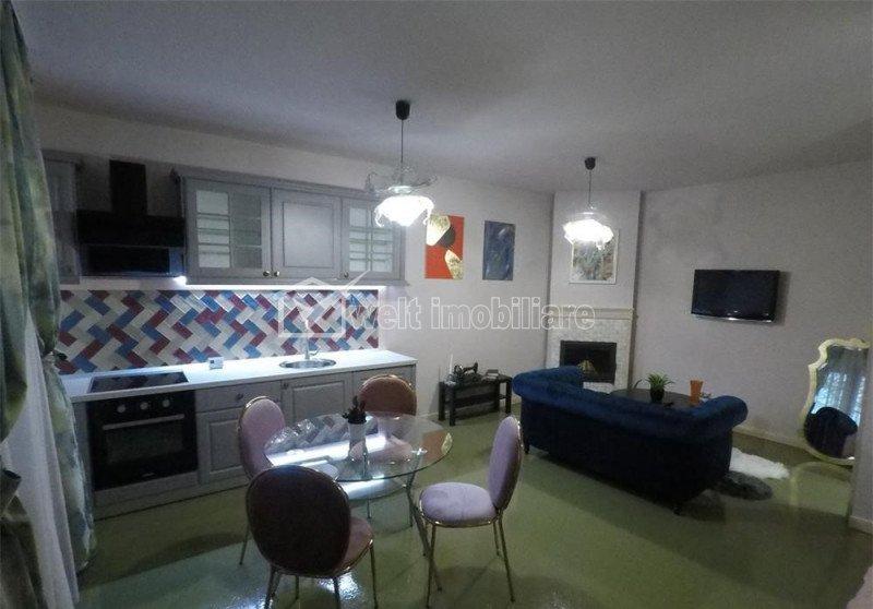 Apartament tip studio la casa, curte comuna, parcare, mobilat lux, zona centrala