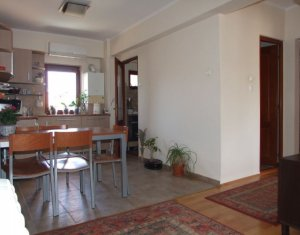 Vanzare apartament cu 3 camere in Manastur langa Cinema Dacia