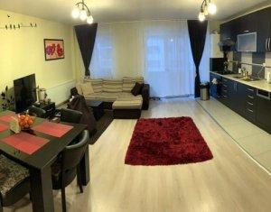 Apartament de vanzare 3 camere, finisat si echipat modern, garaj dublu inclus