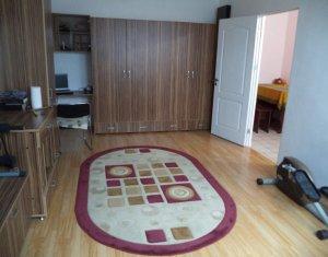 Vindem apartament 2 camere, decomandat, zona Ioan Rus, Floresti