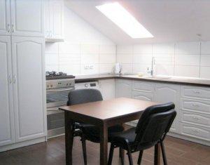 Inchiriere apartament 2 camere decomandate, mansarda, zona Eugen Ionescu