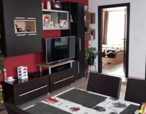 Vanzare apartament 3 camere, situat in Floresti, zona Terra
