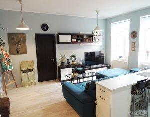 Vindem apartament cu 2 camere, 53 m, finisat lux, in centrul Clujului