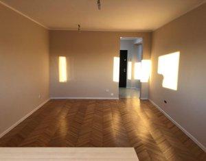 Vindem apartament cu 2 camere, decomandat, 65 mp, Zorilor