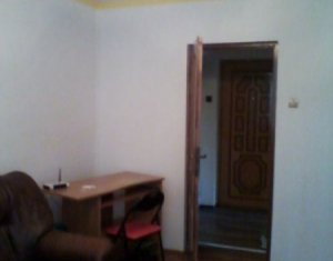 Vanzare apartament cu 2 camere in Plopilor zona Platinia