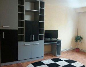Apartament de 3 camere, decomandat, etaj intermediar, Manastur