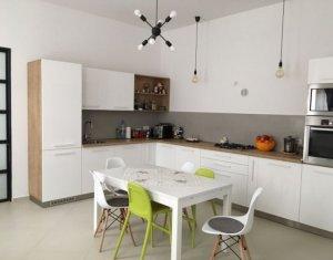Apartament 5 camere, 146 mp, decomandat, utilat si mobilat modern, zona Horea
