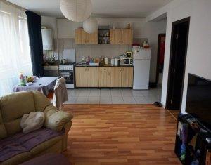 Vanzare apartament cu 3 camere, zona Restaurant My Day
