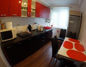 Apartament 3 camere, foarte spatios, zona centrala, excelent investitie