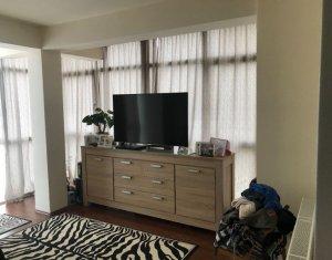 Vindem apartament 2 camere, spatios, zona centrala, Floresti