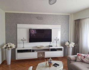 Lakás 4 szobák eladó on Cluj Napoca, Zóna Manastur