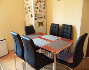 Vindem apartament 2 camere, etaj intermediar, zona Mega Image, Floresti