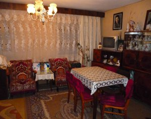 Apartament 4 camere, decomandat, etaj intermediar, strada Mehedinti, Manastur