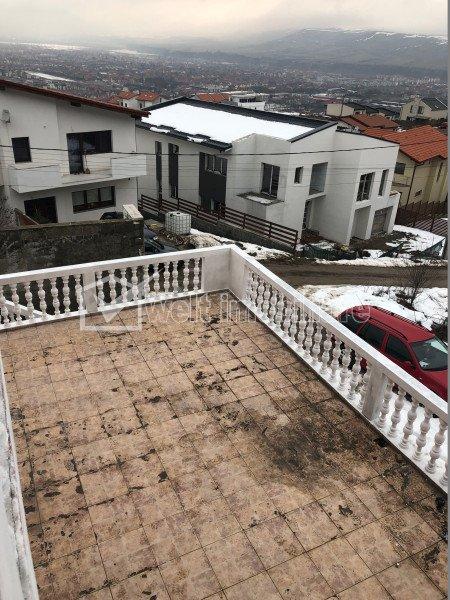 Maison 4 chambres à louer dans Floresti