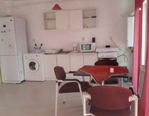 Vanzare apartament cu 2 camere, mobilat, Floresti, strada Eroilor
