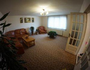 Maison 4 chambres à vendre dans Cluj-napoca, zone Someseni
