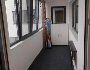 Vanzare apartament 3 camere, 2 bai, situat in Floresti, zona Stadionului