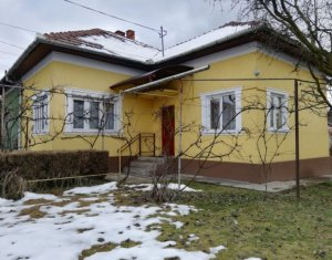 Casa clasica 85 mp utili cu teren de 1000 mp Dambul Rotund