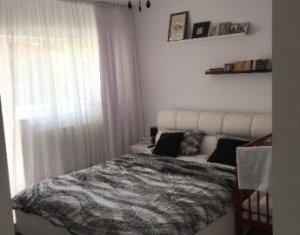 Apartament 2 camere, decomandat, mobilat, zona Ioan Rus