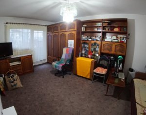 Apartament 4 camere, decomandat, 78 mp, etaj intermediar,  Marasti