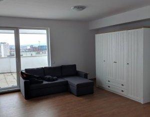 Apartament de 3 camere, semidecomandat, zona semicentrala