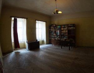 Ultracentral!  Apartament in vila,  2 camere, 80mp