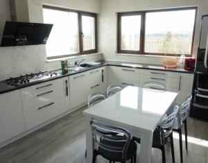 Ház 6 szobák kiadó on Cluj Napoca, Zóna Someseni