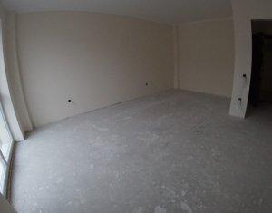Vanzare apartament 3 camere, zona linistita Borhanci