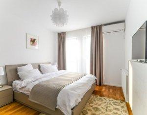 Inchiriere apartament de lux cu 2 camere decomandate, langa Iulius Mall; garaj