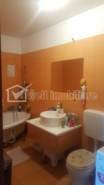 Vanzare apartament cu 3 camere, confort 2, zona Parc Poligon