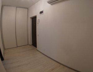 Apartament de 2 camere, semidecomandat, lux, confort sporit, Centru