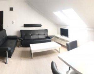 Vanzare apartament cu 3 camere, Floresti, strada Cetatii