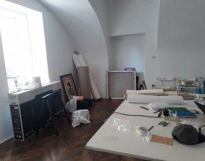 Inchiriere spatiu birou 24mp, strada Napoca, curte interioara parter