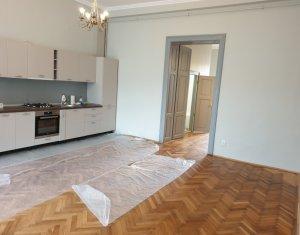 Apartament la casa, 2 camere, finisaje moderne, 70 mp, zona centrala, linistita