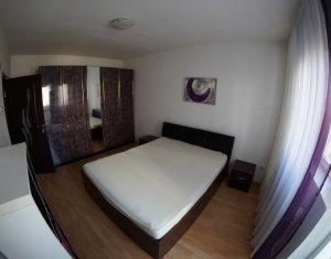 Apartament de inchiriat 3 camere. mobilat si utilat, zona Peco Mol