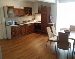 Vanzare apartament cu 3 camere in Manastur, zona Restaurant Roata