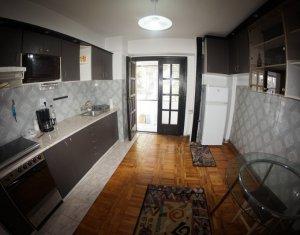 Apartament 2 camere decomandate, confort sporit, bloc P zona Cipariu