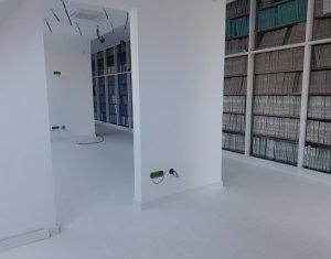 Inchiriere birou, ultracentral, compartimentat 4 camere (notar,cabinet,servicii)
