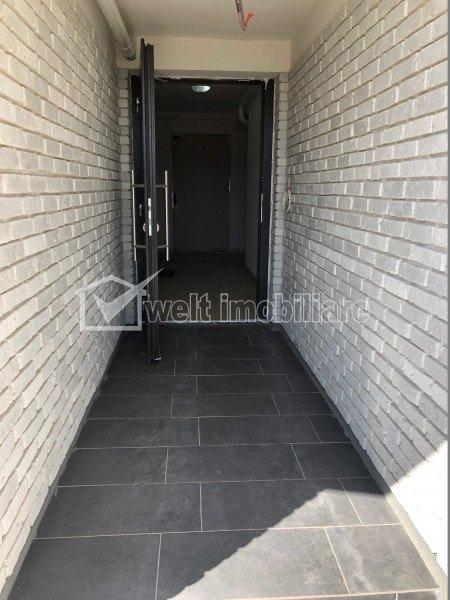Apartament tip penthouse 74 mp+40 mp terasa, bloc cu lift