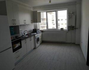 Vanzare apartament 3 camere, finisat recent, zona Petrom
