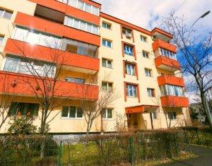 Vanzare apartament 3 camere decomandat, etaj intermediar, zona Kaufland Marasti