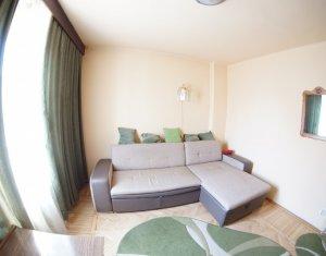 Apartament 2 camere, decomandat, 42 mp, situat in Piata Mihai Viteazul