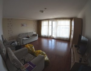 Inchiriere apartament de 2 camere decomandate, parcare, zona Petrom