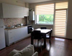 Vanzare apartament 3 camere complet mobilat si utilat, parcare, zona Romul Ladea