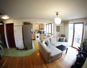 Apartament 3 camere, 67 mp + 3 balcoane, Andrei Muresanu, C. Nottara